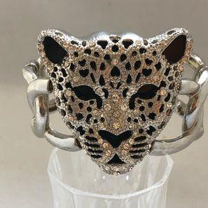 Jewelry - Silvertone w Rhinestone Stretch Bracelet
